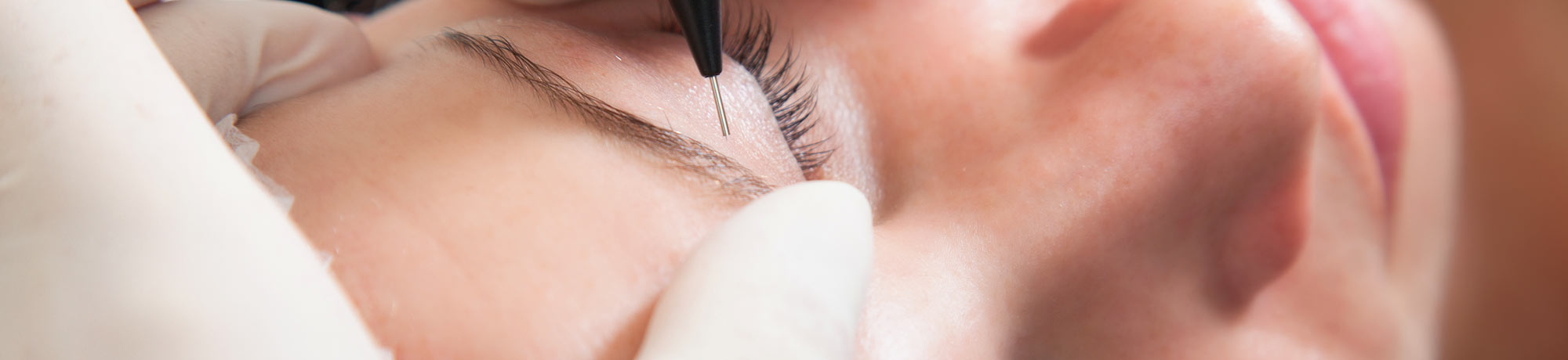 Typgerechtes Make-Up - Professionelles Permanent Mak-Up & Microblading bei i Spa Nails in Hannover